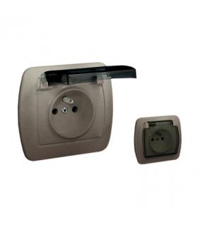 Gniazdo wtyczkowe pojedyncze w wersji IP44 z przesłonami torów prądowych - klapka w kolorze transparentnym satynowy, metalizowa