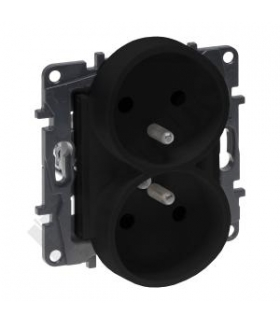 Niloe Step Gniazdo 2x2P+Z 16 A - 230 V - z przesłoną, zaciski śrubowe - Czarne Legrand 863534