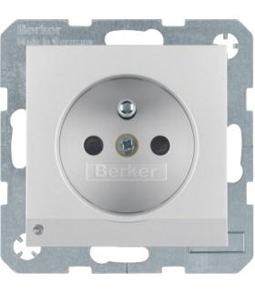 Gniazdo z uziemieniem z uziemieniem i podświetleniem orientacyjnym LED alu mat
