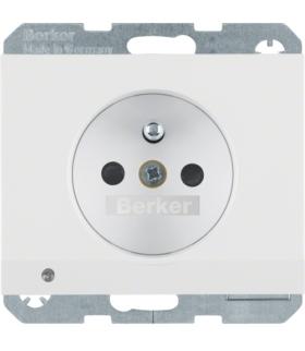 K.1 Gniazdo z uziemieniem i podświetleniem orientacyjnym LED, biały, połysk Berker 6765107009